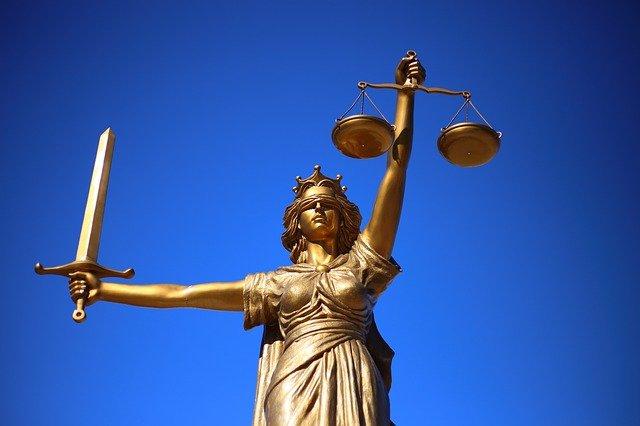 En İyi Hukuk Fakülteleri Ekşi